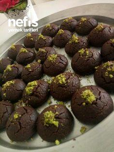 Muhteşem Browni Kurabiye Tarifi nasıl yapılır? 2.027 kişinin defterindeki bu tarifin resimli anlatımı ve deneyenlerin fotoğrafları burada. Yazar: Yagmur Yilmaz Er Healthy Brownies, Homemade Brownies, Best Brownies, Arabic Food, Yogurt, Muffin, Food And Drink, Cookies, Chocolate