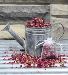 Natural Dried Rose Petals- these smell so delicious! Great for potpourri, candle making, soaps, decorative bowl or vase filler, or even to toss at weddings. Dried Lavender Bunches, Dried Rose Petals, Lavender Buds, Dried Flower Bouquet, Lavender Flowers, Dried Flowers, Flower Bouquets, Orchid Fertilizer, Larkspur Flower