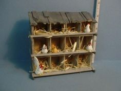 Building a Chicken Coop - Cute dollhouse miniature chicken coop Building a chicken coop does not have to be tricky nor does it have to set you back a ton of scratch. Miniature Houses, Miniature Dolls, Miniature Furniture, Dollhouse Furniture, Building A Chicken Coop, Dollhouse Accessories, Mini Things, Miniture Things, Fairy Houses