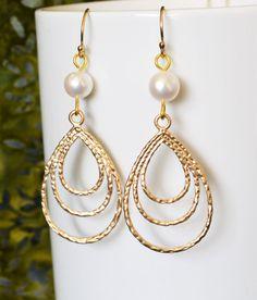Bridesmaid Earrings Bridesmaid Gift  Hoop Earrings by Studio10102