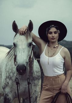 Bona Drag Look Book: The Pale Storms of Cuba Cuba, Bald Girl, Horse Fashion, Fall Lookbook, Crafts With Pictures, Pamela Love, Photoshoot Inspiration, Style Inspiration, Girl With Hat