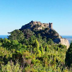 #Castillo de #Montornes en el #Desierto de las #Palmas. #rutas #montaña #mar #Benicàssim #Benifornia #Benicassimparaiso #paraiso #paradise #paisaje #felizviernes #instamountain #Mediterraneo #primavera #verde #azul #castellon #benicasim