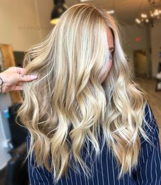 Golden Blonde Balayage for Straight Hair - Honey Blonde Hair Inspiration - The Trending Hairstyle Blonde Hair Looks, Blonde Hair With Highlights, Blonde Color, Hair Color, Blonde Long Hair Cuts, Long Blonde Haircuts, Butter Blonde Hair, Blonde Layered Hair, Bright Blonde Hair