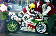 North West 200 practice May 1995 Joey Dunlop - Honda RVF RC45