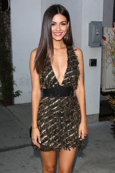 Victoria Justice - arrives at the Harper's BAZAAR party - Album on Imgur