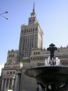 Socialist architecture, Palace of Culture and Science in Warsaw Modern Art Styles, Age Of Enlightenment, Ways Of Seeing, Modern Artists, Tower Bridge, 17th Century, Empire State Building, Fashion Art, Architecture