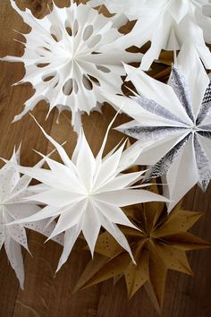 Paper stars for Christmas Christmas Star, Simple Christmas, Winter Christmas, Xmas, Modern Christmas Decor, Christmas Decorations, Christmas Ornaments, Yule, Diy And Crafts