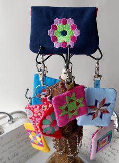 Der Stickbär | Designs und Inspiration Mini-Quilts Machine Embroidery Meine Variation.