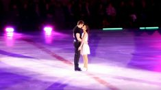 Man Embraces Woman on Ice Within Seconds 'Dirty Dancing' Routine Makes Everyone's Eyes Pop Patrick Swayze, Ice Skaters, Perfect Together, Dirty Dancing, Routine, The Past, Things To Think About, Eyes, Film