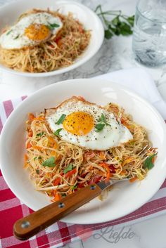 Mie Goreng, Vegetarian Recipes, Healthy Recipes, Asian Recipes, Ethnic Recipes, Fabulous Foods, Vegan Dishes, Japanese Food, Breakfast