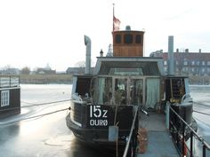 ferry houseboat copenhagen///