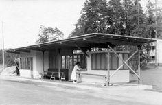 Sunilan asuinalueen linja-autoasema (Aalto 1936). Asemalla oli penkkejä, lehtikioski ja taukohuone kuljettajille. Myöhemmin asema korvattiin samanlaisella, mutta isommalla rakennuksella, joka ei enää ollut Aallon käsialaa.