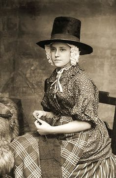 Victorian Welsh women of the working class led hard lives and were rarely photographed. These photos show the unique beauty and character of those Welsh ladies.