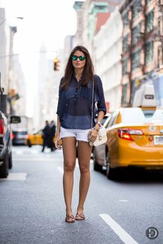 Summer Street Style Look - Casual Chic Effortless New York Fashion, Latest Fashion Trends, Net Fashion, London Fashion, Street Fashion, Runway Fashion, Late Summer Outfits, Spring Outfits, White Denim Shorts