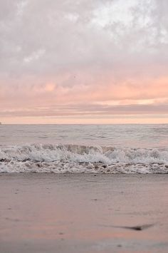 Image about beach in c i e l o by Ribon Juli on We Heart It Wallpapers WALLPAPERS : PHOTO / CONTENTS  FROM  IN.PINTEREST.COM #BLOG #EDUCRATSWEB