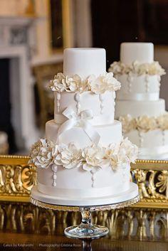 Stunning wedding cakes lookbook from Cakes by Krishanthi London