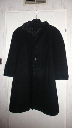 Damenmantel Gr.44    mehr infos auf willhaben.at Mantel, Dame, Fur Coat, Raincoat, Jackets, Fashion, Used Cars, Rain Jacket, Down Jackets