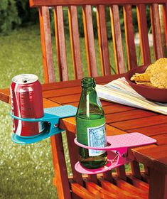 Set of 4 Drink Clips Have but keeps forgetting I have them. Need to find them before picnic season.