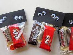 easy-halloween-treat-goody-bags-00