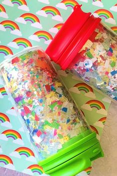 This diy kids confetti tumbler is easy and the perfect way to keep little people hydrated! Crafts To Sell, Diy And Crafts, Arts And Crafts, Sewing Projects For Kids, Sewing Crafts, Sewing Ideas, Diy For Kids, Crafts For Kids, Kids Tumbler