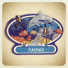 オーストラリアのケアンズマグネット。ケアンズはオーストラリア大陸北東岸の珊瑚海に面する港湾都市です。マグネット通り、海が印象的なところです。