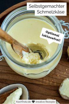 Schmelzkäse selber machen ist ganz einfach und geht schnell! Dieser Schmelzkäse ist histaminarm und optional laktosefrei. Eine Portion ergibt circa 300 ml. Je nach Gusto können dem selbst gemachten Frischkäse auch Kräuter und Gewürze zugegeben werden. Generell empfehle ich, die Masse einmal mit Salz abzuschmecken. #käserezept #frühstücksrezept #schmelzkäserezept #lowcarb #glutenfrei