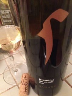 """Kevin Lee on Twitter: """"🇮🇹 '14 @LaGuardiense """"Janare"""" #Falanghina del sannio: spicy red apple, rich ripe pear, bittersweet almond… look to the outskirts for value… https://t.co/CDUAf8VLNL"""""""