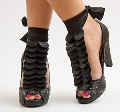 (The link to this diesnt take you to anything relevant, I just wanted the picture) DIY Shoe Jewelry diy