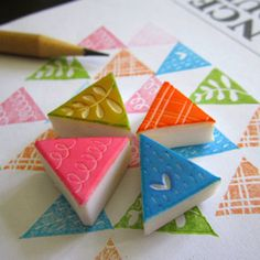 fabric stamping Geometric Triangles Rubber Stamps - Set of 4 Clay Stamps, Stamp Printing, Printing On Fabric, Book Crafts, Paper Crafts, Triangles, Eraser Stamp, Stamp Carving, Fabric Stamping