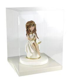 Figurka z masy cukrowej Saracino http://www.sweetdecor.pl/category/300,saracino  W specjalnym eskpozytorze http://www.sweetdecor.pl/3864,ekspozytor-do-tortlw-z-podstaw-wys-40cm.html   Wykonana przez Katarzynę Gębicką
