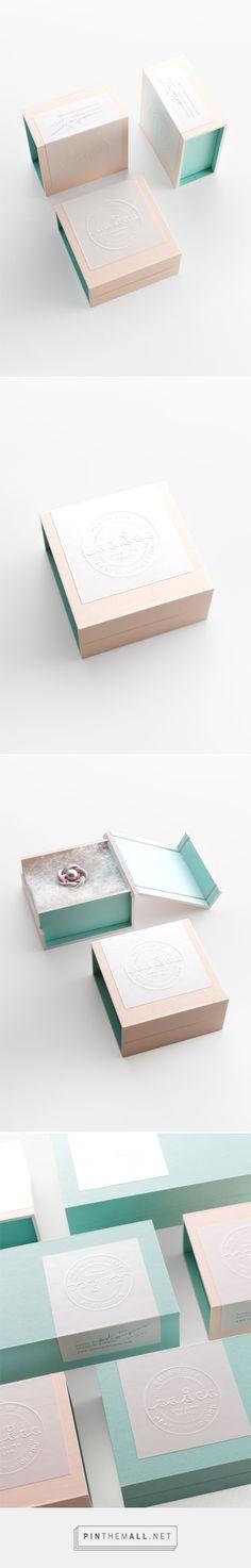 N/A Bakery Packaging, Gift Box Packaging, Bottle Packaging, Cosmetic Packaging, Brand Packaging, Bracelet Packaging, Jewelry Packaging, Jewelry Branding, Dessert Logo