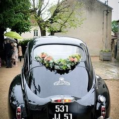 Décoration de voiture mariage Guirlande de fleurs Lifestyles, lifestyles and quality of life The interdependencies and networks produced by the … Wedding Getaway Car, Wedding Cars, Bridal Car, Wedding Car Decorations, Car Ornaments, Deco Floral, Flower Garlands, Cute Cars, Reception Areas
