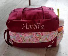 Mélanie R sur Instagram: Pour les deux semaines de vie de notre petite chérie, je vous montre enfin le sac à langer et quelques accessoires assortis. Sac boogie de…