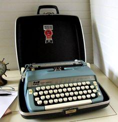 Typewriter - blue.