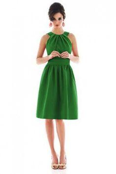 Cómo combinar un vestido verde de fiesta: Todos los outfits