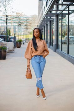 Mom Jeans Outfit, Denim Outfits, Sweater Outfits, Chic Outfits, Neutral Outfit, Bastille, Denim Top, Closets, Fashion Forward