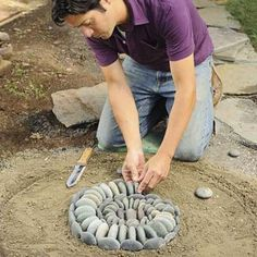 garden mosaic how-to. stone art sea shell for the garden