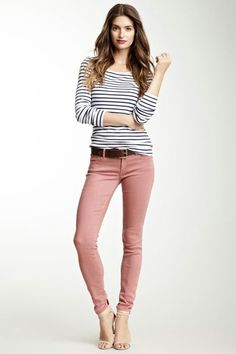 European Style Summer Casual Women T Shirt David Bowie Print Graphic Top Tees White V-Neck Cotton Short Sleeve T-Shirts Pink Jeans Outfit, Pink Pants, Skinny Pants Outfits, Colored Jeans Outfits, Pink Skinny Jeans, Colored Skinny Jeans, Colored Pants, Mode Outfits, Casual Outfits