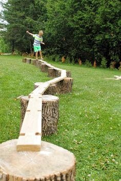 A simple invitation to build big and create with wood. Balance beams, boats - you name it. Great for heavy work and gross motor development, plus just plain old outdoor fun! fun ideas An Invitation to Build Big - How Wee Learn Outdoor Play Areas, Outdoor Games For Kids, Backyard For Kids, Outdoor Fun, Natural Outdoor Playground, Outdoor Activities, Family Activities, Backyard Play Areas, Kids Outdoor Spaces