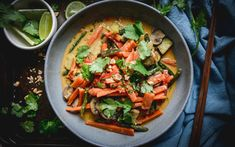 This is an easy vegan and paleo Thai inspired vegetable coconut curry you can whip up in just 15 minutes. So if youre in the mood for a fresh and delicious curry check this one out! Vegan Lunch Recipes, Vegan Lunches, Dairy Free Recipes, Real Food Recipes, Vegetarian Recipes, Healthy Recipes, Gluten Free, Vegan Meals, Dinner Recipes