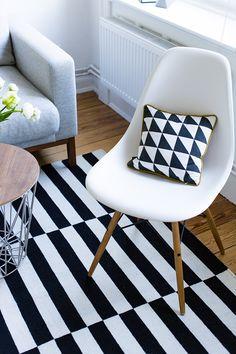 Living Interior   Black U0026 White #eames