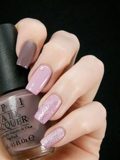 There are nail designs that include only one color, and some that are a combo of several. Some nail designs can be plain and others can represent some interesting pattern. Also, nail designs can differ from the type of nail… Read more › Fabulous Nails, Perfect Nails, Cute Nails, Pretty Nails, Hair And Nails, My Nails, Cute Nail Art Designs, Types Of Nails, Nagel Gel