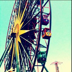 This is a cool picture and all...but this ferris wheel is TERRIFYING.