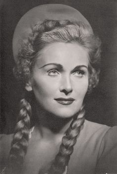Elisabeth Schwarzkopf, Opera Singers, The Past, Legends, Pictures, Fictional Characters, Theater, Classical Music, Musicians