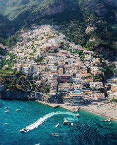 The last stop on our summer family Europe trip was the Amalfi Coast! The last stop on our summer family Italy Vacation, Italy Travel, Places To Travel, Places To Go, Vacation Places, Vacation Ideas, Rome Florence, Amalfi Coast Italy, Positano Italy