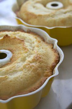 The Best Vanilla Cake Recipe by Sweetapolita (via All Sorts of Pretty) Baking Recipes, Cake Recipes, Dessert Recipes, Cupcakes, Cupcake Cakes, Bundt Cakes, Just Desserts, Delicious Desserts, Best Vanilla Cake Recipe