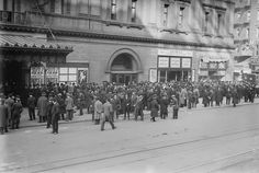 MUSIC - OPERA: At the Met in New York Ciry, crowd waiting to purchase tickets, November 12, 1914.