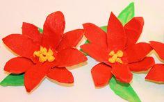 Reciclaje: flores de Nochebuena navideñas con hueveras, Chistmas paper f...