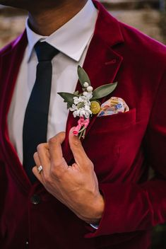 Whimsical Wedding Ideas Inspired by Make Believe. For more colorful wedding inspiration, visit burghbrides.com! red wedding tuxedo | red tuxedo jacket | grooms attire | modern groom Wedding Tuxedos, Tuxedo Wedding, Red Wedding, Wedding Suits, Wedding Colors, Wedding Day, Groom Attire, Groom And Groomsmen, Red Tuxedo