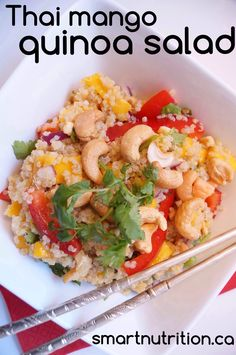 thai mango quinoa salad... cashews, mangos, and red pepper star in this flavourful salad!